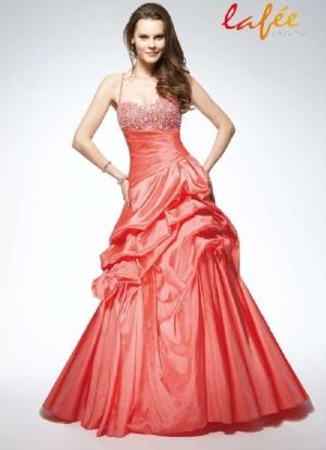 Výprodej svatebních šatů d4d50ca70a